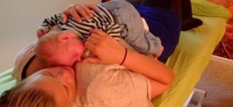 Mor barn - babybehandling - Mybodyandmind x151